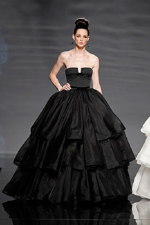2013 wedding trend the black wedding gown style to the for Images of black wedding dresses