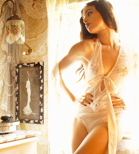 Shell-Belle_Smoke-and-Mirrors_11