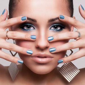 Short-Colored-Nails