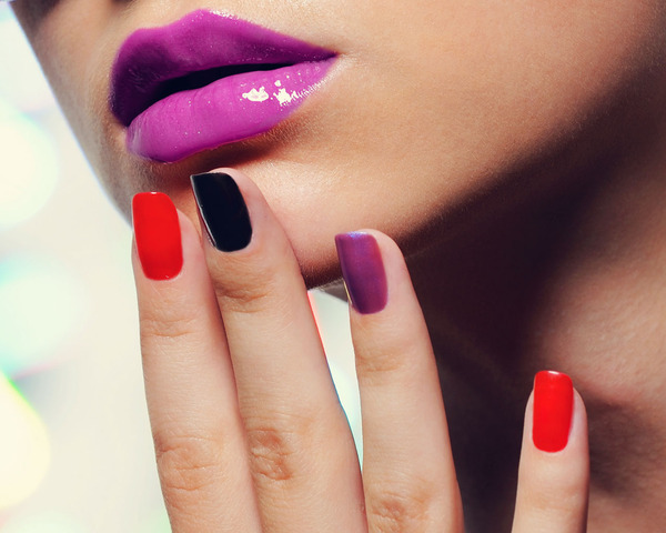 Fashion Friday: Summer Nail Trends
