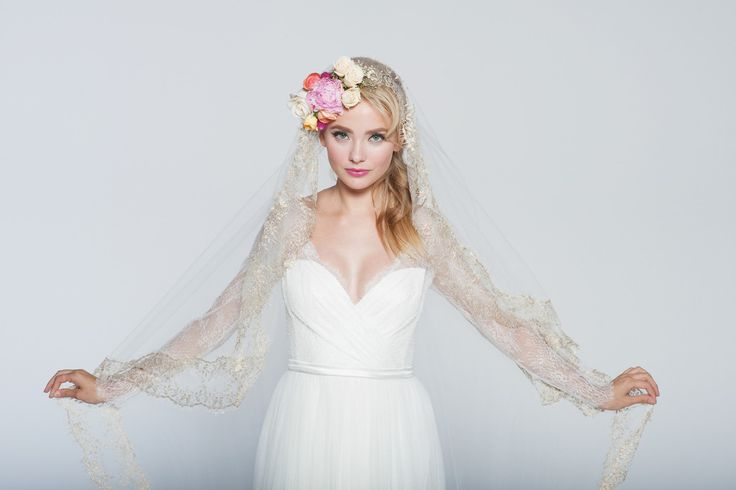Sunrise Veil – Emily Riggs Bridal
