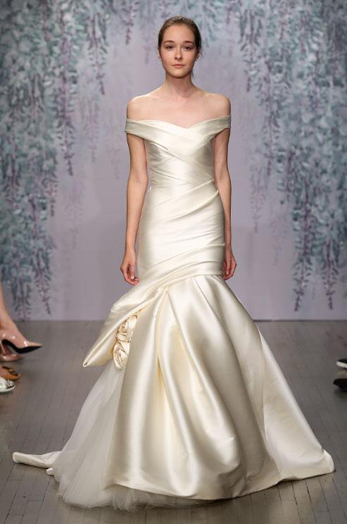 monique-lhuillier-f16-wedding-dress-06_detail