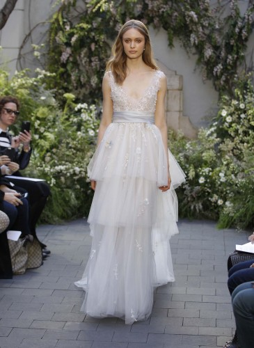 02-monique-lhuillier-bridal-spring-17
