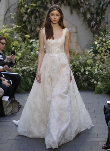 08-monique-lhuillier-bridal-spring-17
