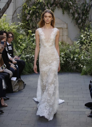19-monique-lhuillier-bridal-spring-17