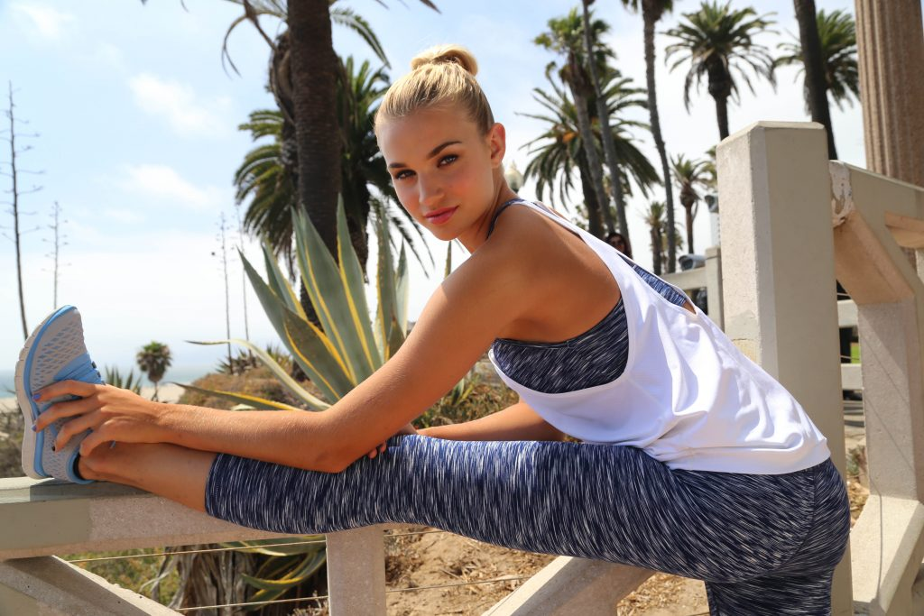 8 FASHIONABLE ACTIVEWEAR STYLES FOR WOMEN